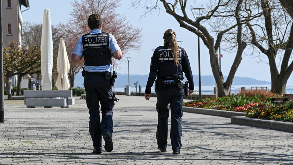 Polizei kontrolliert Uferpromenade am Bodensee