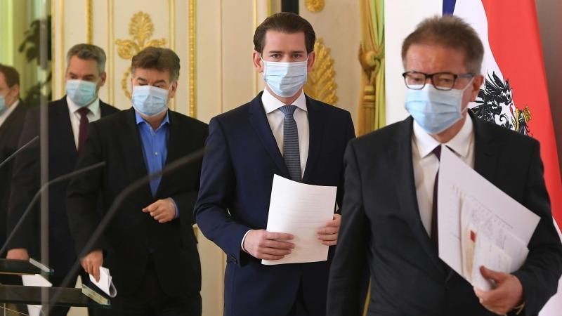 Pressekonferenz mit Sebastian Kurz: Österreich wird nach Ostern wohl mit dem Weg zurück in die Normalität beginnen. Foto: Helmut Fohringer/APA/dpa
