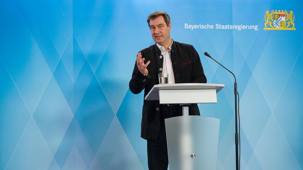 07.04.2020, Bayern, München: Markus Söder (CSU), Ministerpräsident von Bayern, während einer Pressekonferenz in der bayerischen Staatskanzlei. Die Konferenz wird ausschließlich als Live-Stream übertragen auf Facebook, YouTube und Instagram sowie auf