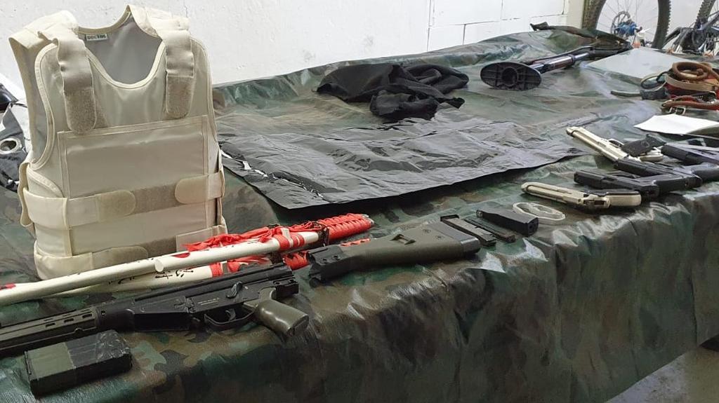 Beim Schlag gegen die Drogenbande wurden auch Waffen gefunden