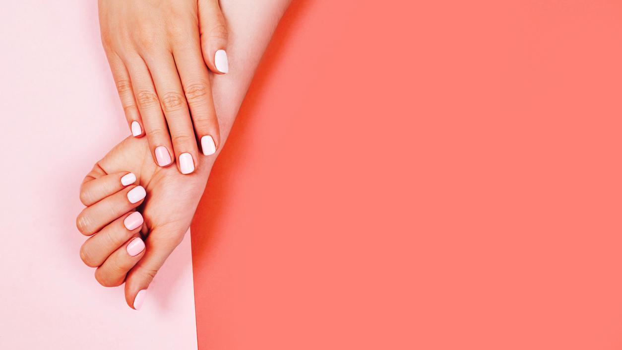 Gepflegte Fingernägel gefällig? Einfach unsere DIY-Maniküre-Tricks anwenden, fertig!