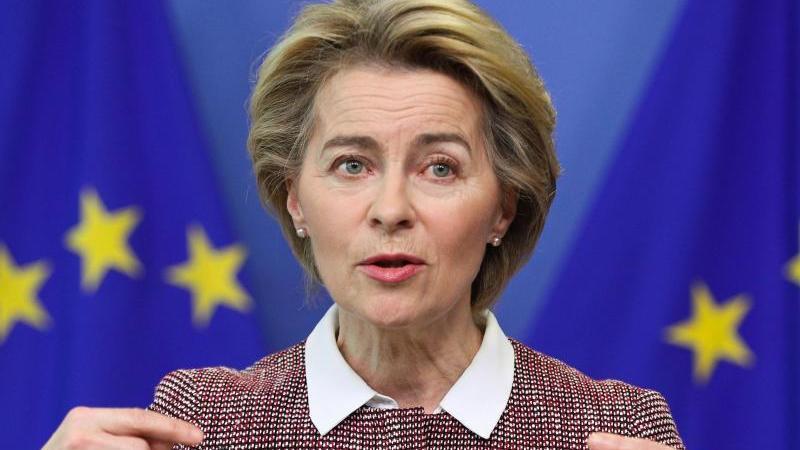 EU-Kommissionspräsidentin Ursula von der Leyen droht Ungarn erneut mögliche Konsequenzen an. Foto: Zheng Huansong/XinHua/dpa