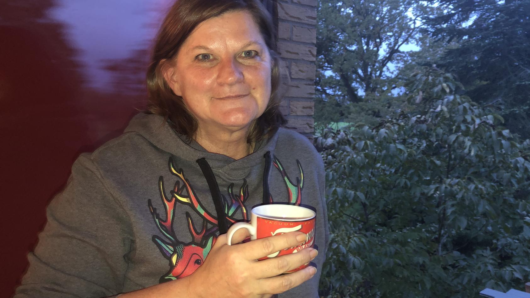 Claudia Kerber hat ihren Geruchssinn verloren. Ihre Tasse Kaffee und die Stimmung nach einem Sommerregen erinnern sie immer wieder daran.
