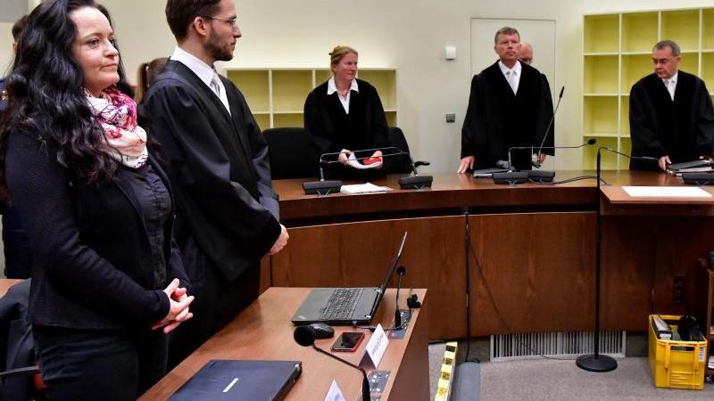 Blick in den Gerichtssaal während des Prozesses um Beate Zschäpe. Foto: Peter Kneffel/dpa-Pool/dpa