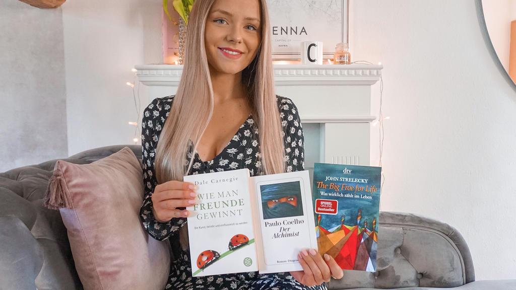 Celine Nadolny, Buch-Bloggerin von BookofFinance