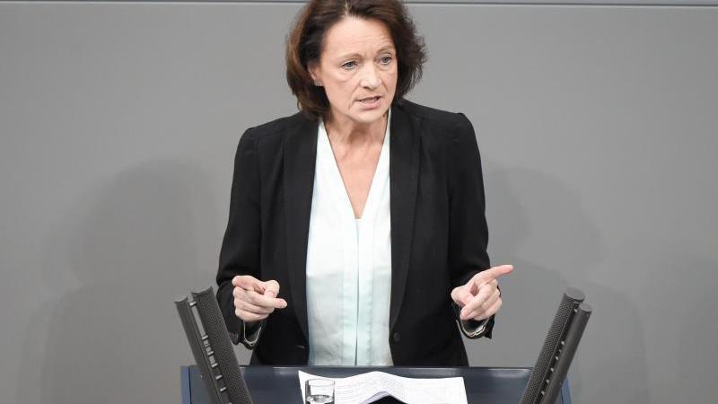 Dagmar Freitag (SPD) spricht im Deutschen Bundestag. Foto: Christophe Gateau/dpa/Archivbild