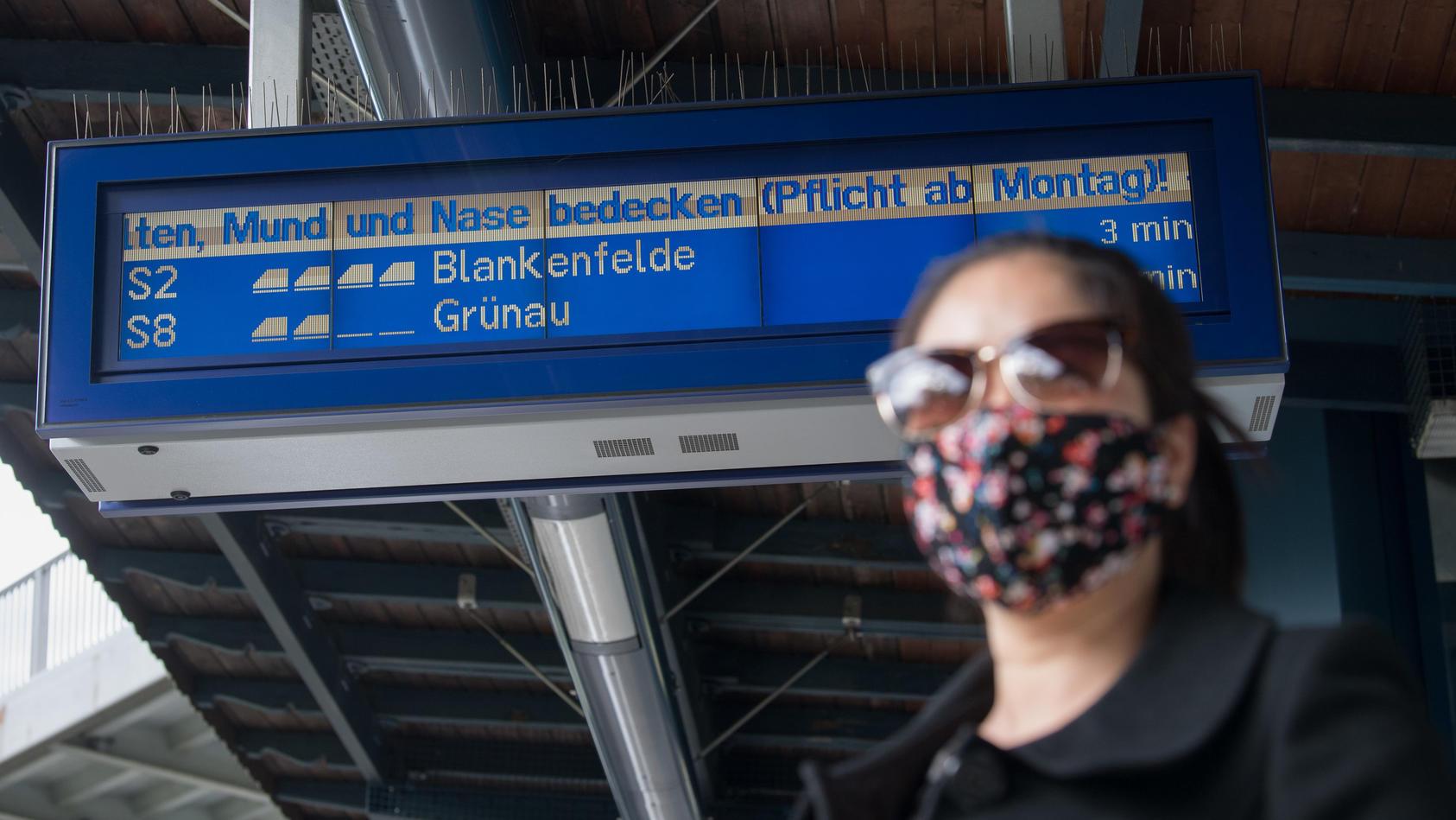 Im Öffentlichen Nahverkehr und im Einzelhandel gilt nun bundesweit Maskenpflicht.