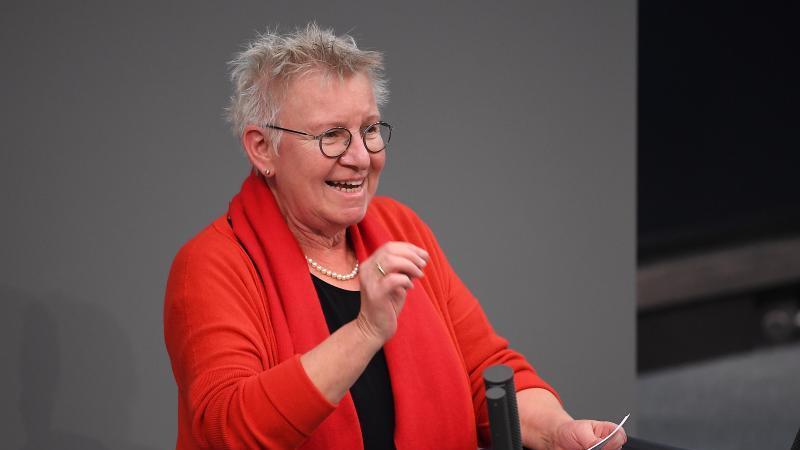 Jutta Krellmann (Die Linke) spricht im Bundestag. Foto: Britta Pedersen/dpa-Zentralbild/dpa/Archivbild