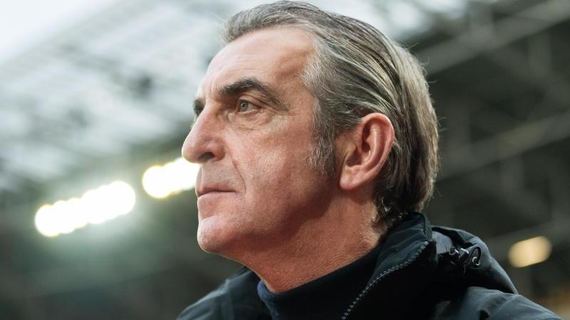 Dynamo-Boss Ralf Minge im Stadion. Foto: Robert Michael/dpa-Zentralbild/dpa/Archivbild
