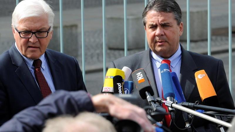SPD-Chef Sigmar Gabriel wirft der Regierung innere Zerrissenheit vor.