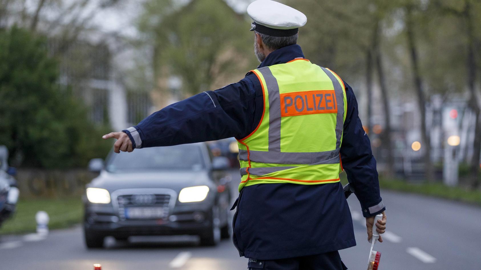 Schwerpunkt-Kontrolle der Polizei Köln auf der Luxemburger Straße. Köln, 05.04.2017 Foto:xC.xHardtx/xFuturexImage