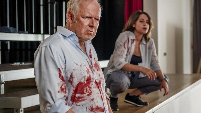 """Axel Milberg als Kommissar Borowski beim """"Tatort""""-Dreh. Foto: Gordon Timpen/NDR/dpa"""