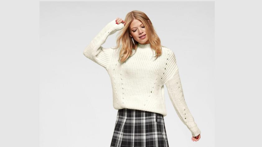 Wollpulli von Aniston.
