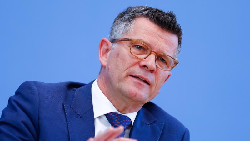 Peter Dabrock, ehemaliger Vorsitzender des Deutschen Ethikrates. Foto: Axel Schmidt/Reuters-Pool/dpa/Archivbild