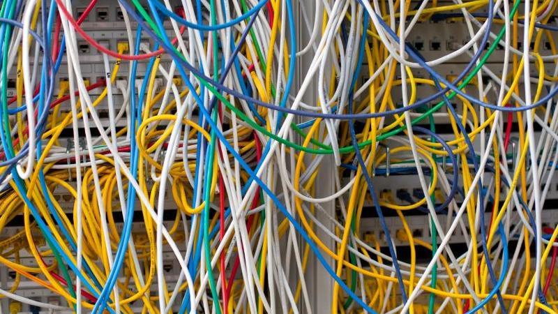 """Das Bundesinnenministerium hat den Entwurf für das """"Gesetz zur Erhöhung der Sicherheit informationstechnischer Systeme"""" am Donnerstag zur Ressortabstimmung an die betroffenen Ministerien von Union und SPD verschickt. Foto: Patrick Pleul/dpa-Zentralbild/dp"""