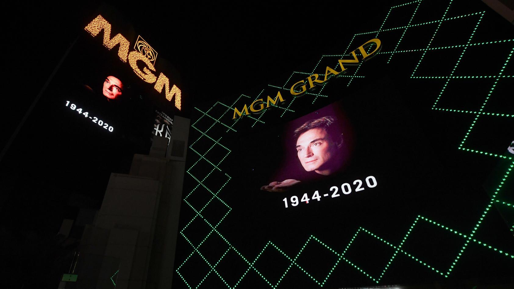 Das MGM Grand Hotel in Las Vegas gedenkt auf seinen riesigen Videotafeln seinem verstorbenem Star Roy Horn.