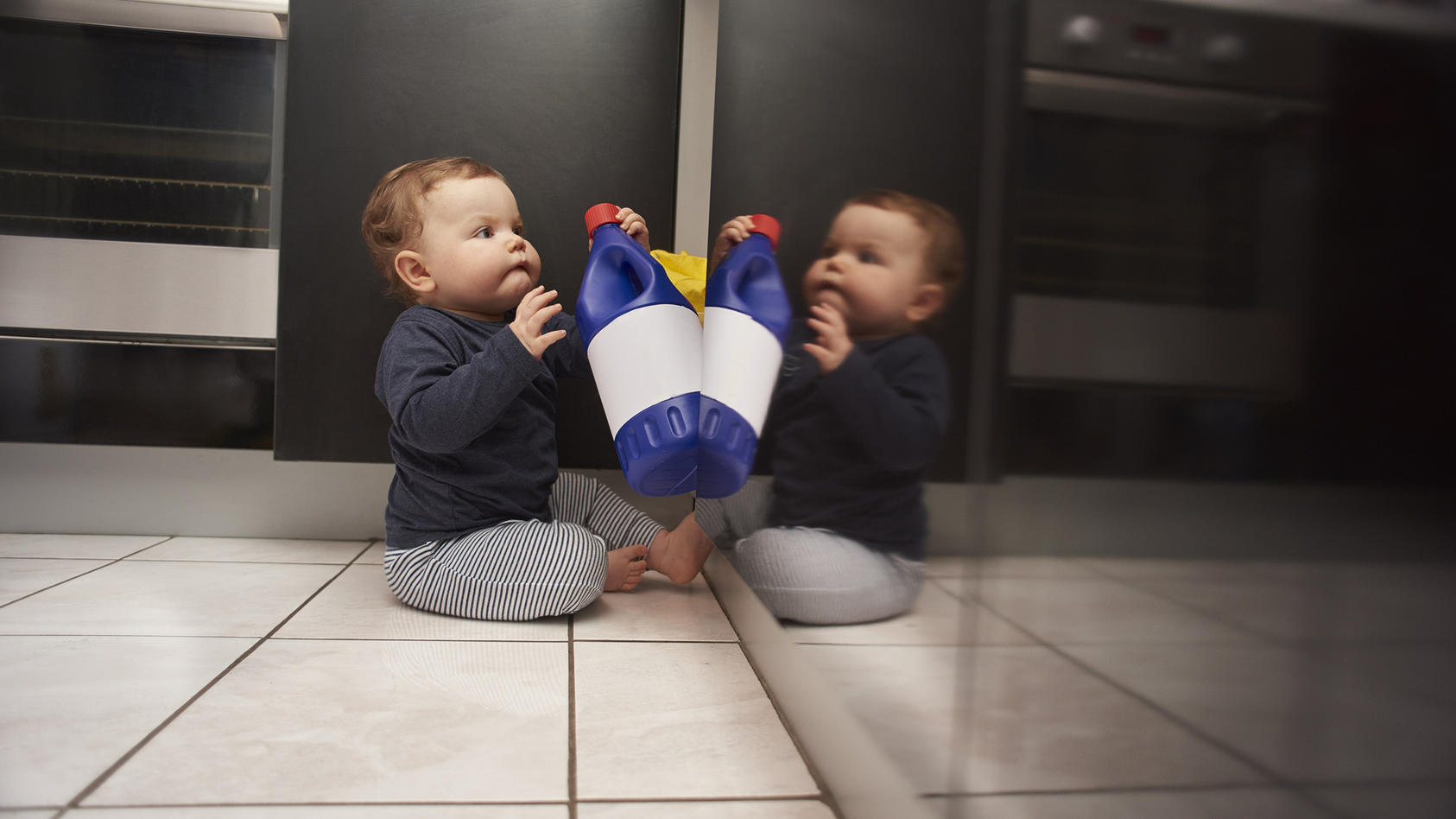 Die Charité warnt davor, Desinfektionsmittel in Kinder-Reichweite aufzubewahren.