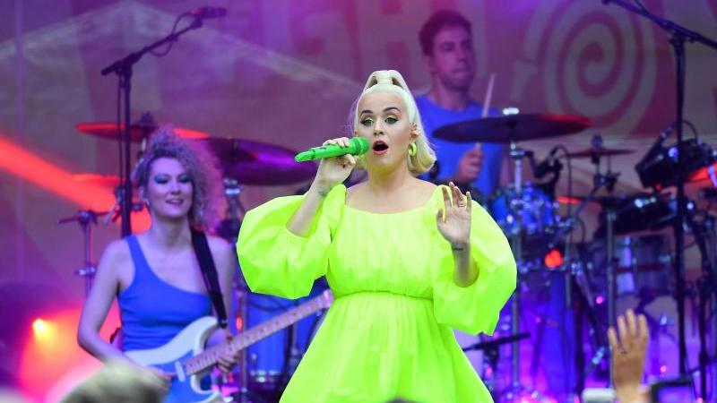 Katy Perry beim Fight-On-Konzert im australischen Bright. Foto: James Ross/AAP/dpa