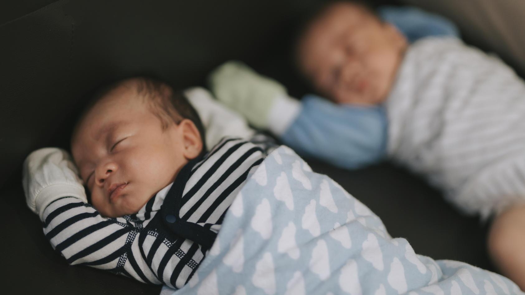 Zwillinge mit unterschiedlichen Vätern kommen nur extrem selten vor.