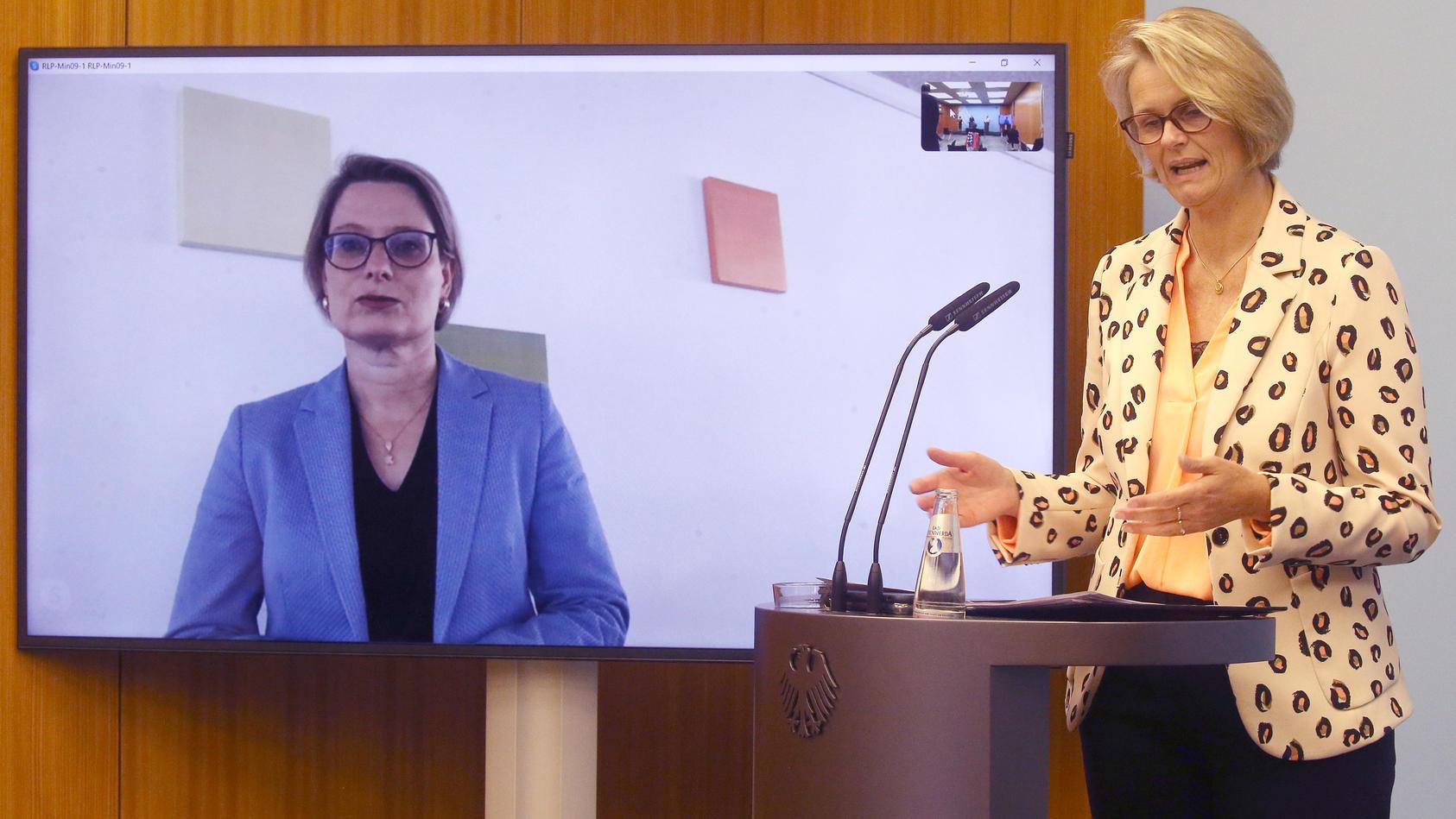 Bildungsministerin Anja Karliczek stellte am Freitag das Sofortprogramm für Schulen vor