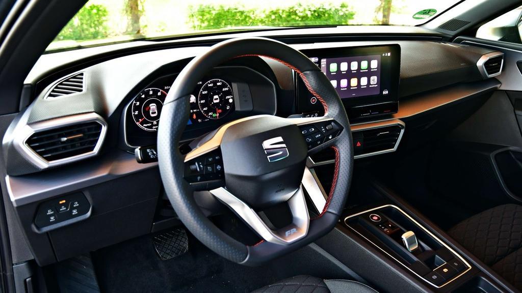 Das multimediale Cockpit vom Seat Leon