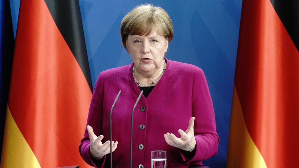 18.05.2020, Berlin: Bundeskanzlerin Angela Merkel (CDU)spricht während einer Pressekonferenz nach einer gemeinsamen Videokonferenz mit Frankreichs Präsident Macron. Ein Thema war die Corona-Pandemie und deren Folgen. Foto: Kay Nietfeld/dpa-Pool/dpa +