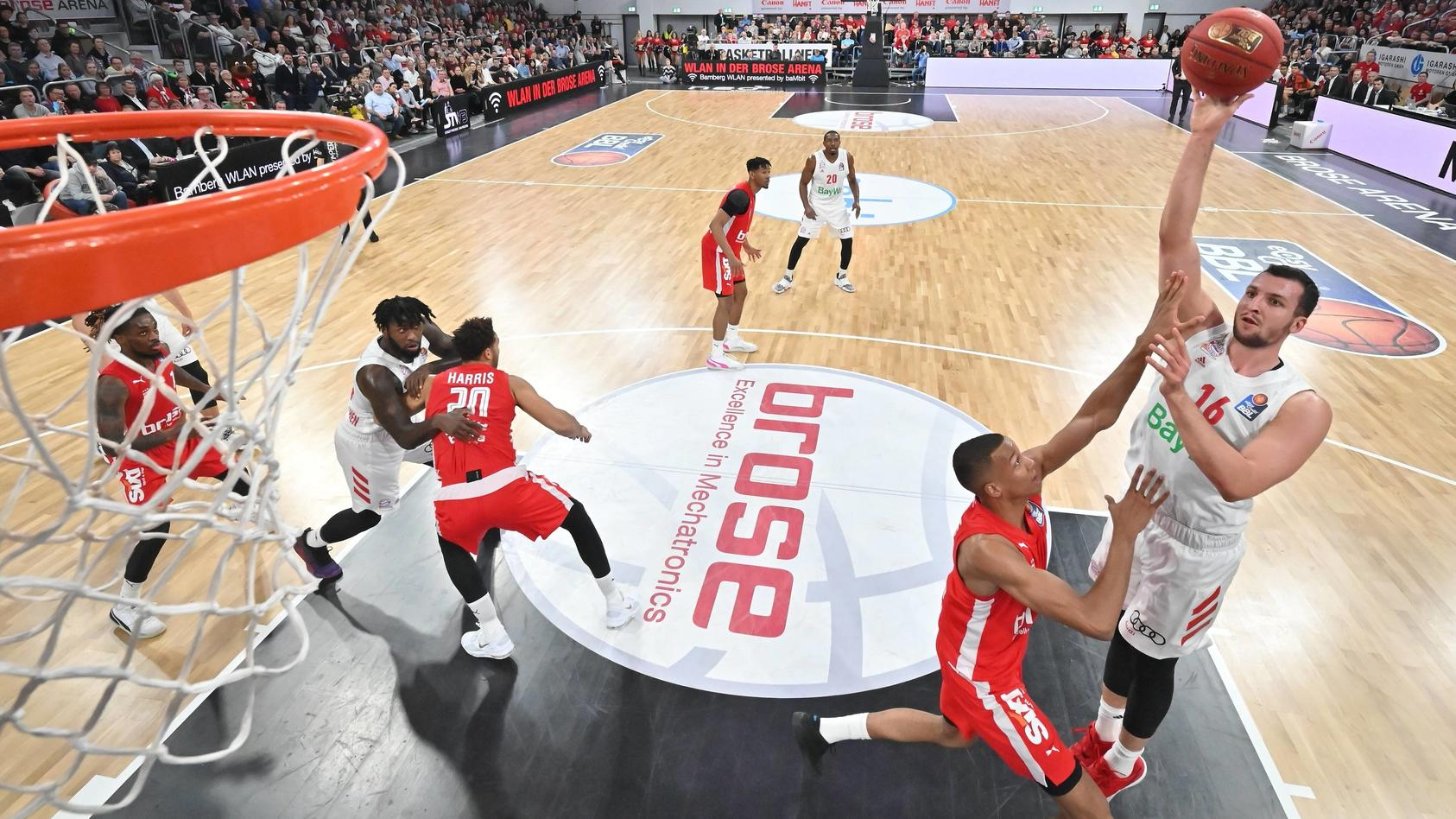 BAMBERG 30.12.2019 --- Basketball ---- easycredit 1. Basketball Bundesliga ---- 14. Spieltag: Brose Bamberg vs FC Bayern