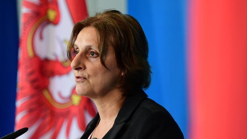 Britta Ernst (SPD), Brandenburger Bildungsministerin. Foto: Soeren Stache/dpa-Zentralbild/ZB