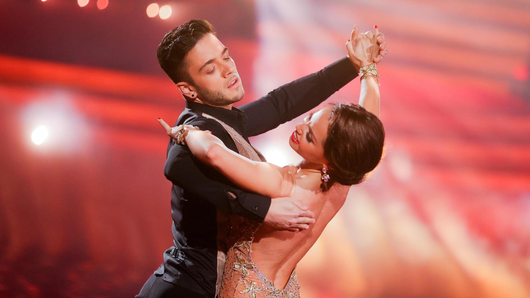 """Bei der Tanzshow """"Let's Dance"""" konnten die Zuschauer sehen, wie gut sich Christina und Luca verstanden haben."""
