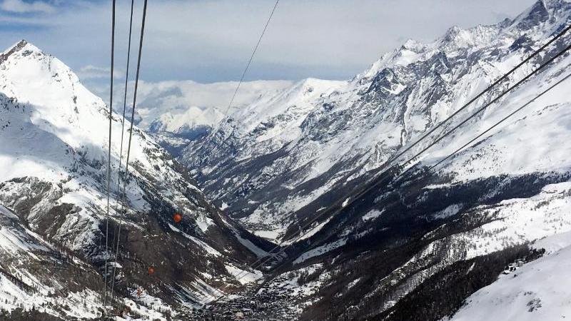 Das Klein Matterhorn soll 2022 Start eines Ski-Weltcups nach Italien werden. Foto: Christiane Oelrich/dpa