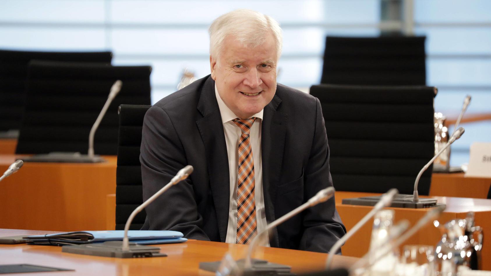 Horst Seehofer, Bundesminister des Innern fuer Bau und Heimat, CDU, Kabinettsitzung, DEU, Berlin, 20.05.2020 *** Horst S