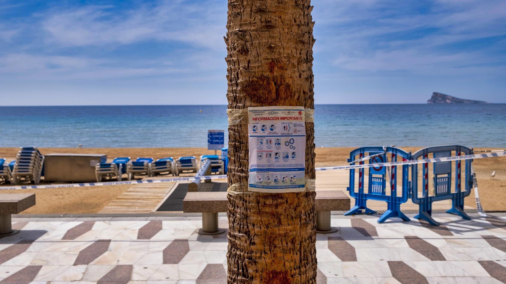 Corona in Spanien Benidorm, Alicante Spanien, 4.5.2020, Coronakrise: Hinweise zur Hygiene und zur Sicherheit auf einem