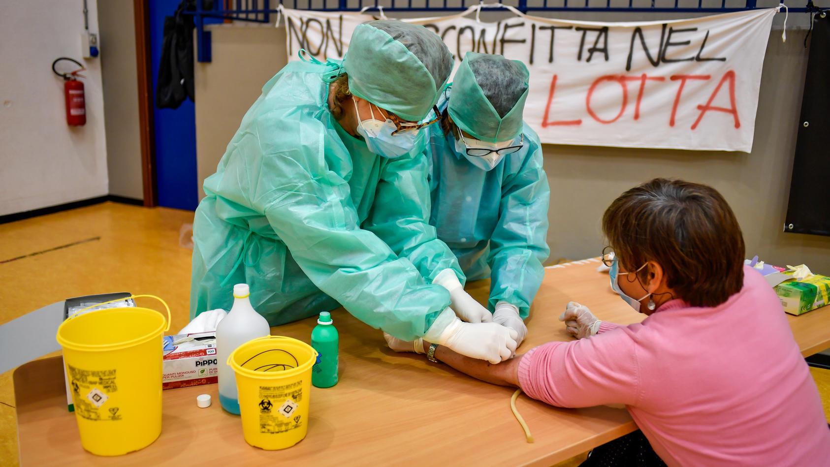 Italien testet ab Montag 150.000 Menschen auf Corona-Antikörper.