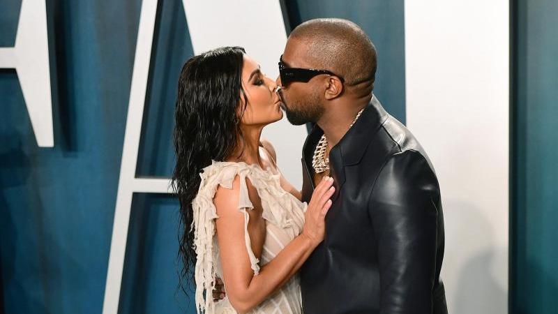 Kim Kardashian und Kanye West bei ihrer Ankunft zu der Oscar-Party von Vanity Fair 2020. Foto: Ian West/PA Wire/dpa