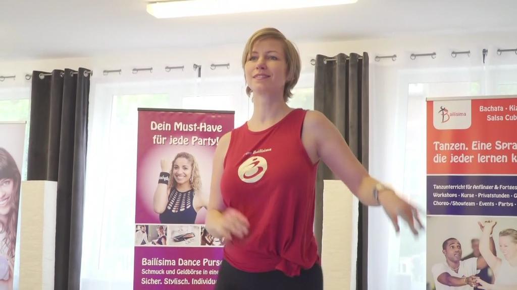 Bianka Findeisen tanzt in ihrem eigenen Studio.