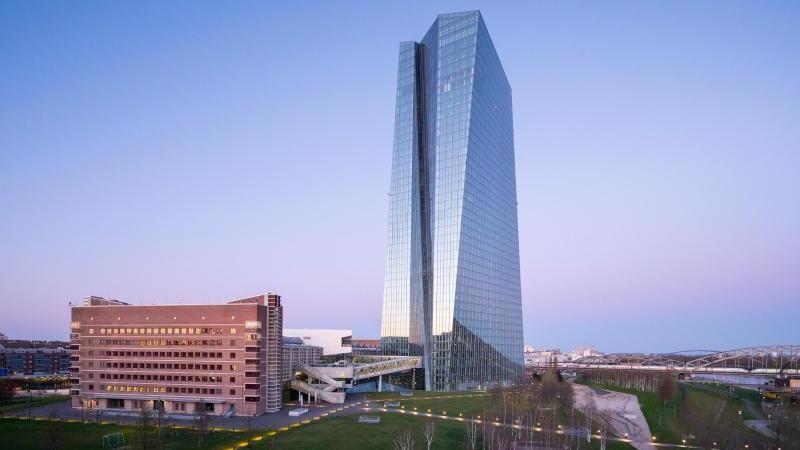 Die Zentrale der Europäischen Zentralbank (EZB) in Frankfurt am Main. Foto: Andreas Arnold/dpa