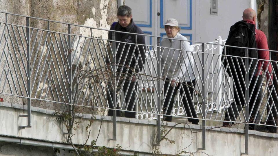 Ischia Nplesi 05 April 2015.German Chancellor Angela Merkel in IschiaPh:FotonewsPictured: The German Chancellor Angela Merkel and her husband Joachim Sauer enter into terme
