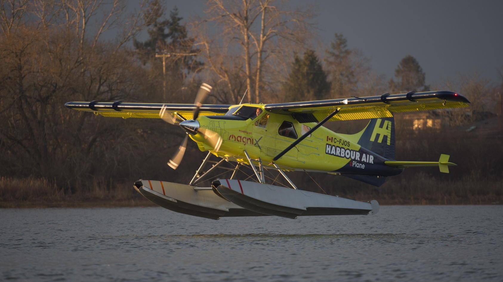 Das bisher größte voll elektrische Flugzeug hat seinen Jungfernflug gut überstanden.