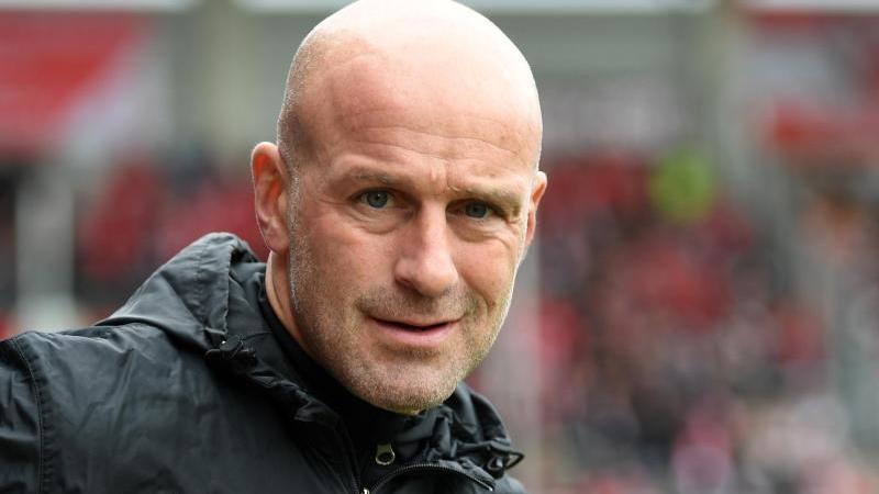 Eintracht Braunschweigs Trainer, Marco Antwerpen. Foto: Hendrik Schmidt/zb/dpa/Archivbild