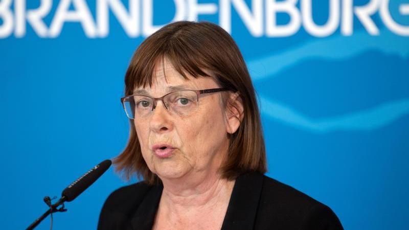 Ursula Nonnemacher (Die Grünen), Ministerin für Soziales, Gesundheit, Integration und Verbraucherschutz. Foto: Soeren Stache/dpa-Zentralbild/dpa/archivbild