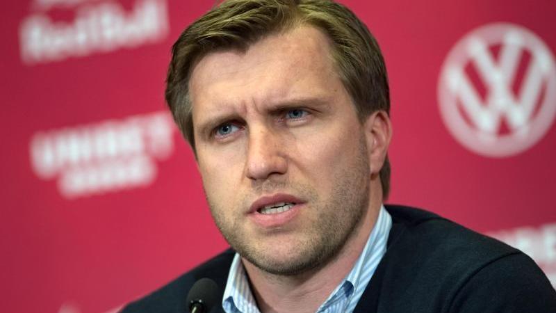 Markus Krösche, Sportdirektor von RB Leipzig, spricht bei einer Pressekonferenz. Foto: Hendrik Schmidt/dpa-Zentralbild/dpa/Archivbild