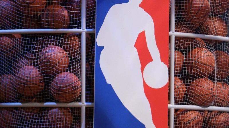 Die NBA hofft auf eine Fortsetzung der Saison mit 22 von 30 Mannschaften. Foto: Justin Lane/EPA/dpa