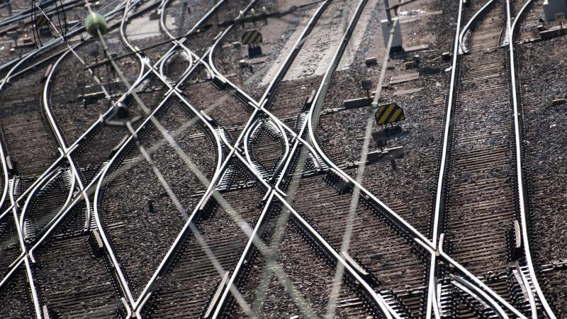 Bahn überwacht nun 28 000 Weichen digital. Foto: Sven Hoppe/dpa