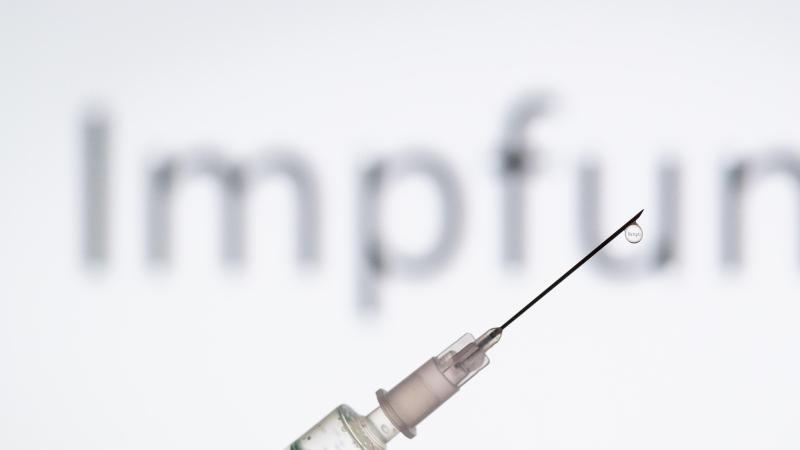 Das Tübinger Unternehmen CureVac darf mit der klinischen Prüfung seines Impfstoffkandidaten gegen Corona beginnen. Foto: Friso Gentsch/dpa