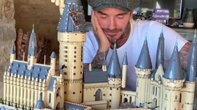 David Beckham ist ein kleines Spielkind