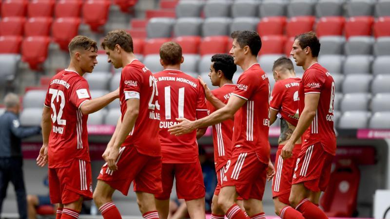 Gieriger Geister-Meister: Der FC Bayern München gewann auch gegen den SC Freiburg. Foto: Sven Hoppe/dpa-Pool/dpa