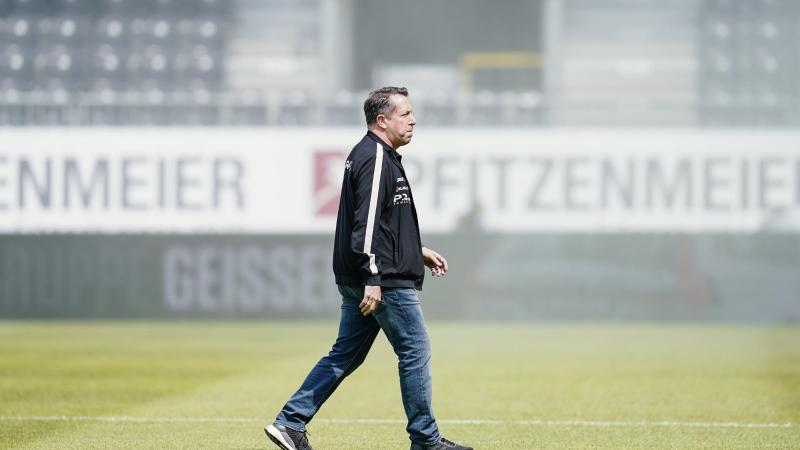 Dresdens Trainer Markus Kauczinski. Foto: Uwe Anspach/dpa/Archivbild