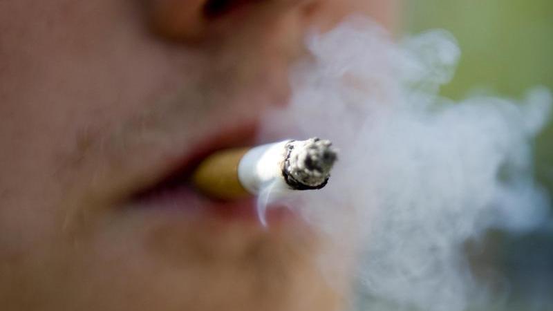 Die Reklamemöglichkeiten für Rauchwaren sollen gestaffelt unterbunden werden. Foto: Robert Schlesinger/dpa-Zentralbild/dpa