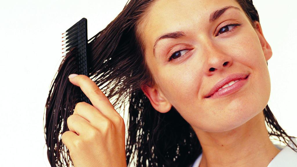 Rizinusöl: Haarpflege bis in die Spitzen.