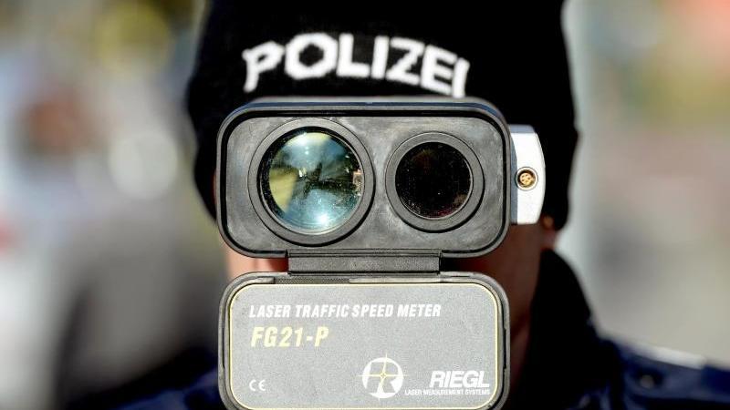 Die Sanktionen der neuen Straßenverkehrsordnung (StVO) sind schärfer als bislang. Foto: Ralf Hirschberger/dpa-Zentralbild/dpa-tmn